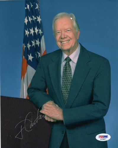 JIMMY CARTER HAND SIGNED 8x10 COLOR PHOTO     AWESOME POSE WITH US FLAG      PSA