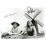 Jodie Foster / Helen Hayes Autographed 1977 Black & White Celebrity 8x10 Photo