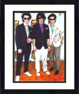 JOE KEVIN NICK JONAS BROTHERS signed 11x14 photo COA