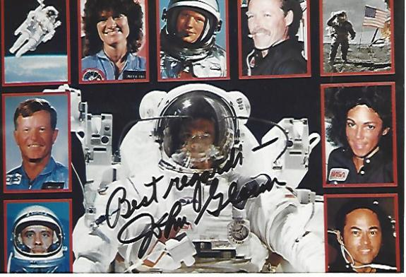 JOHN GLENN - ASTRONAUT/SENATOR He was the First AMERICAN ASTRONAUT to ORBIT the EARTH-Inducted into the U.S. ASTRONAUT HOF 1990 (Passed Away 2016) Signed 6x4 Color Photo