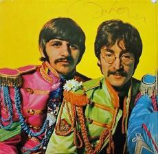 John Lennon The Beatles Signed Sgt Peppers Album Cover PSA #V02003