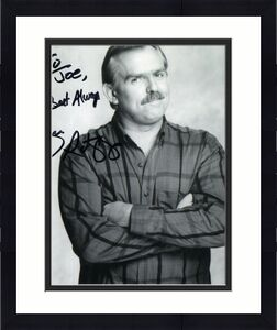 JOHN RATZENBERGER HAND SIGNED 8x10 PHOTO+COA        CLIFF FROM CHEERS    TO JOE