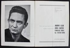 Johnny Cash Signed The Fabulous Johnny Cash Show Program BAS #A03633