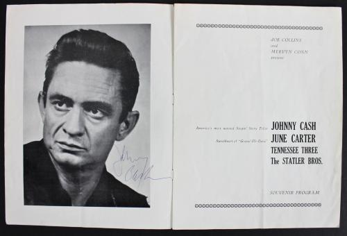 Johnny Cash Signed The Fabulous Johnny Cash Show Program BAS #A03633