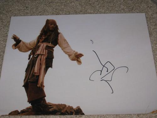 JOHNNY DEPP SIGNED 11x14 PIRATES OF THE CARIBBEAN HOT A