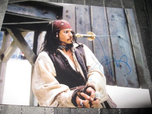 JOHNNY DEPP SIGNED AUTOGRAPH 8x10 PIRATES OF THE CARIBBEAN PROMO IN PERSON COA L