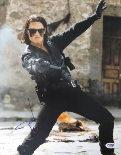 Johnny Depp Signed ONCE UPON A TIME IN MEXICO 11x14 Photo (PSA/DNA) #J03954