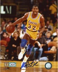 JOHNSON, MAGIC AUTO (LAKERS/DRIBBLING) 8X10 PHOTO - Mounted Memories