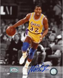 JOHNSON, MAGIC AUTO (LAKERS/DRIBBLING/SPOTLIGHT) 8X10 PHOTO - Mounted Memories
