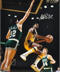 Magic Johnson Los Angeles Lakers Autographed 16'' x 20'' Layup Photograph - Mounted Memories