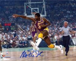 Magic Johnson Los Angeles Lakers Autographed 8'' x 10'' Horizontal Passing Photograph - Mounted Memories