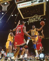 JOHNSON, MAGIC AUTO (LAKERS/VS GRANT) 8X10 PHOTO - Mounted Memories