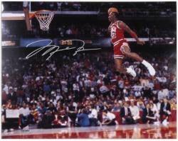 "Michael Jordan Chicago Bulls Autographed 16"" x 20"" Gatorade Dunk Photograph"