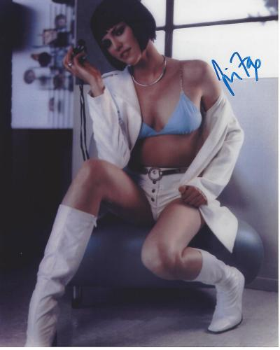 """JORJA FOX - Well KNown for Her Roles in """"ER"""", """"THE WEST WING"""", and """"CSI CRIME SCENE INVESTIGATION"""" Signed 8x10 Color Photo"""