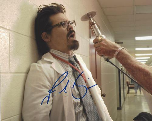 "JOSH BROLIN as DR. WILLIAM BLOCK in 2007 Movie ""PLANET TERROR"" Signed 10x8 Color Photo"