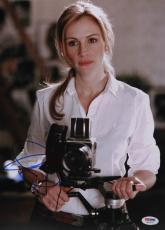 Julia Roberts Autographed 11x14 PSA/DNA