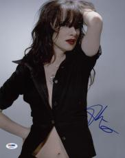 Juliette Lewis Sexy Signed 11X14 Photo Autographed PSA/DNA #X34919