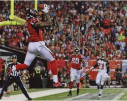 "Julio Jones Atlanta Falcons Autographed 8"" x 10"" Touchdown Catch vs. Tampa Bay Buccaneers Photograph"