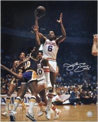 """Philadelphia 76ers Julius Erving Autographed 16"""" x 20"""" Photo"""