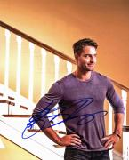 Justin Hartley This Is Us Signed 8x10 Photo Autographed BAS #D17963