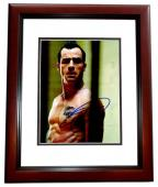 Justin Theroux Signed - Autographed Charlie's Angels: Full Throttle 8x10 inch Photo MAHOGANY CUSTOM FRAME - Guaranteed to pass PSA or JSA