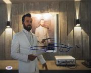 Justin Theroux Signed 'The Leftovers 11x14 Photo PSA AD41054