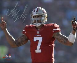 Colin Kaepernick San Francisco 49ers Autographed 8'' x 10'' Fingers Photograph - Mounted Memories