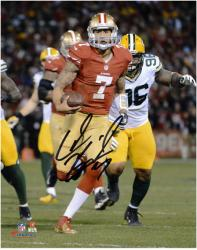 Colin Kaepernick San Francisco 49ers Autographed 8'' x 10'' Run Photograph - Mounted Memories