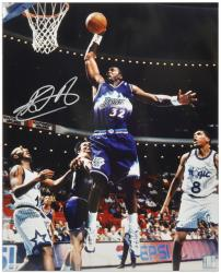 "Karl Malone Utah Jazz Autographed 16"" x 20"" Dunking vs Orlando Magic Photograph - Mounted Memories"