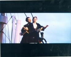 Kate Winslet and Leonardo DiCaprio 8x10 photo (Titanic) Image #1