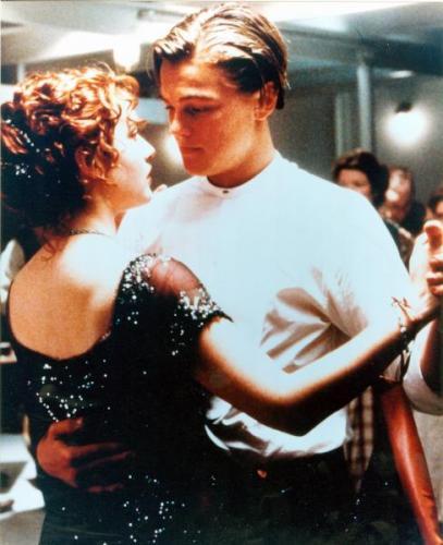 Kate Winslet and Leonardo DiCaprio 8x10 photo (Titanic) Image #2