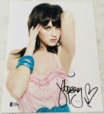 KATY PERRY SIGNED FULL NAME AUTOGRAPH SEXY SEDUCTIVE POSE TEASING 8x10 PHOTO COA