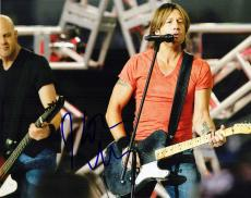Keith Urban Signed - Autographed Country Singer 8x10 Photo