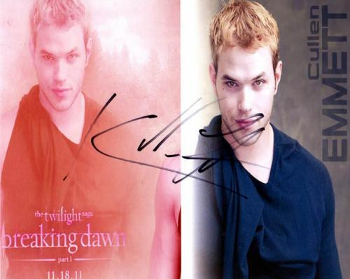 Kellan Lutz Autographed Twilight Signed Photo UACC RD AFTAL