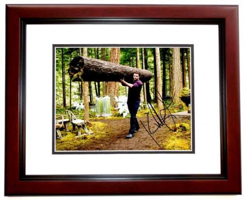 Kellan Lutz Signed - Autographed Twilight Emmett Cullen 8x10 inch Photo MAHOGANY CUSTOM FRAME - Guaranteed to pass PSA or JSA
