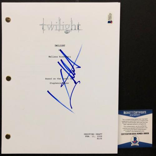 "Kellan Lutz Signed ""Twilight"" Full Movie Script BAS Beckett D86636"