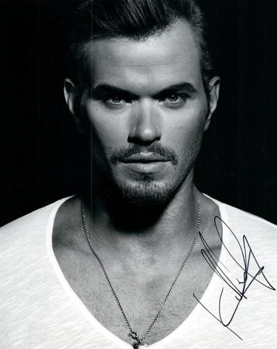 Kellan Lutz Signed Twilight Hottie Hunk Photo RACC TS UACC RD AFTAL