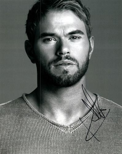 Kellan Lutz Signed Twilight Hunk Beard Photo RACC TS UACC RD AFTAL