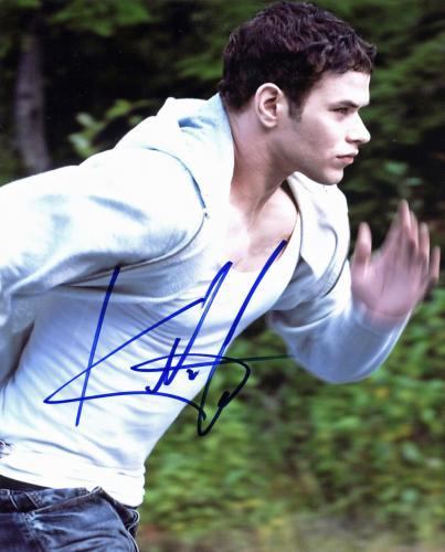 Kellan Lutz Twilight Signed 8x10 Photo Autographed BAS #E85264