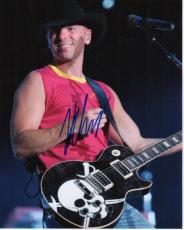 Kenny Chesney Autographed Concert 8x10 Photo