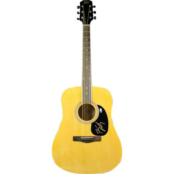 Kenny Chesney Signed Guitar Beckett (Signed in Gold)
