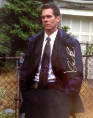 KEVIN BACON (Mystic River) signed  Photo 11x14 -PSA J51238