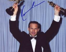 KEVIN COSTNER signed *THE BODYGUARD* 8X10 photo W/COA