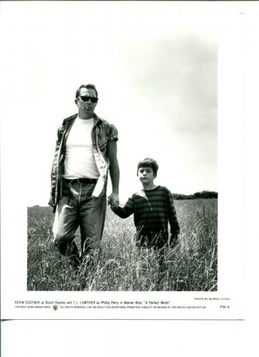 Kevin Costner T.J. Lowther A Perfect World Original Movie Still Press Photo