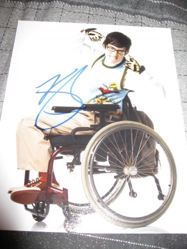 Signed Kevin McHale Picture - AUTOGRAPH 8x10 GLEE PROMO COA B