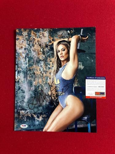 "Khloe Kardashian, ""Autographed"" (PSA / DNA) 11x14 Photo (Sexy)"