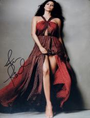 Kim Kardashian Signed - Autographed 11x14 Photo