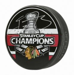 Kris Versteeg Chicago Blackhawks Autographed 2010 Stanley Cup Champions Logo Puck