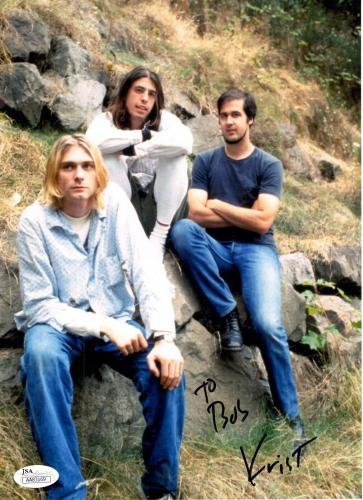 KRIST NOVOSELIC HAND SIGNED 8x11 COLOR PHOTO    AMAZING POSE WITH NIRVANA    JSA