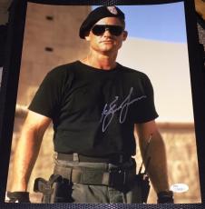 Kurt Russell Signed Autograph Classic Intense Action Pose 11x14 Photo Jsa L74036